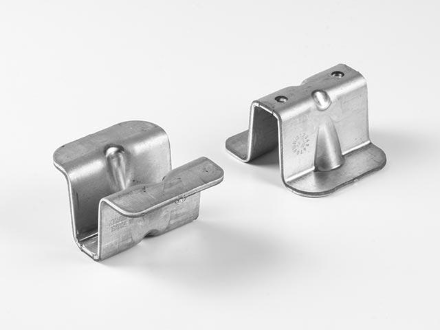 Haltelasche aus Stahl