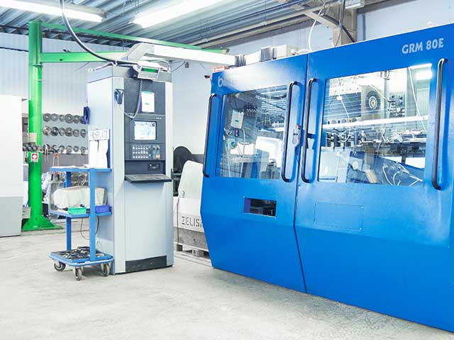 Moderner Maschinenpark für Produktion und Werkzeugbau
